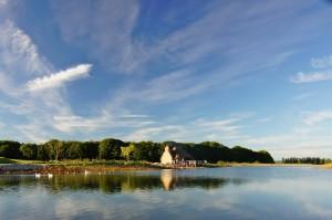 lake view-min